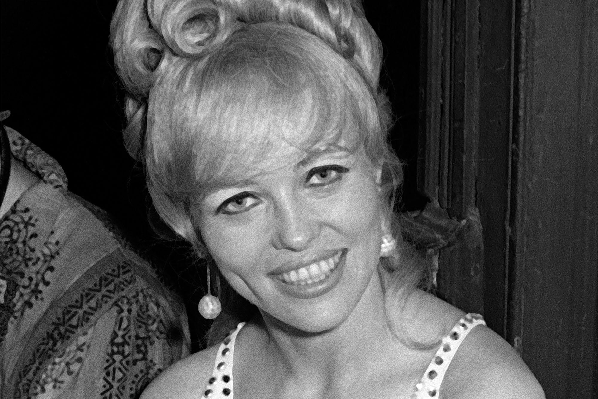 'Hair' star Lynn Kellogg dead at 77 of COVID-19