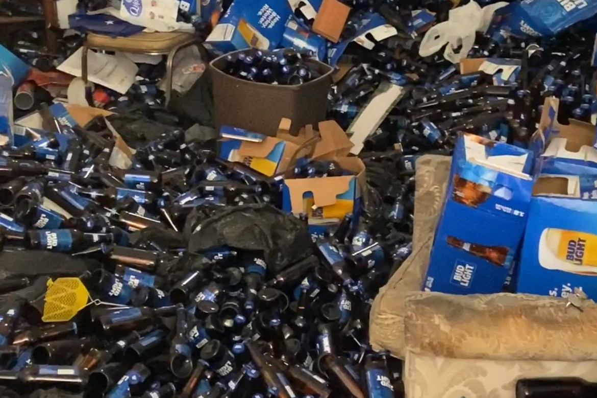 Evicted Texas tenant had a Bud Light decorating touch 1
