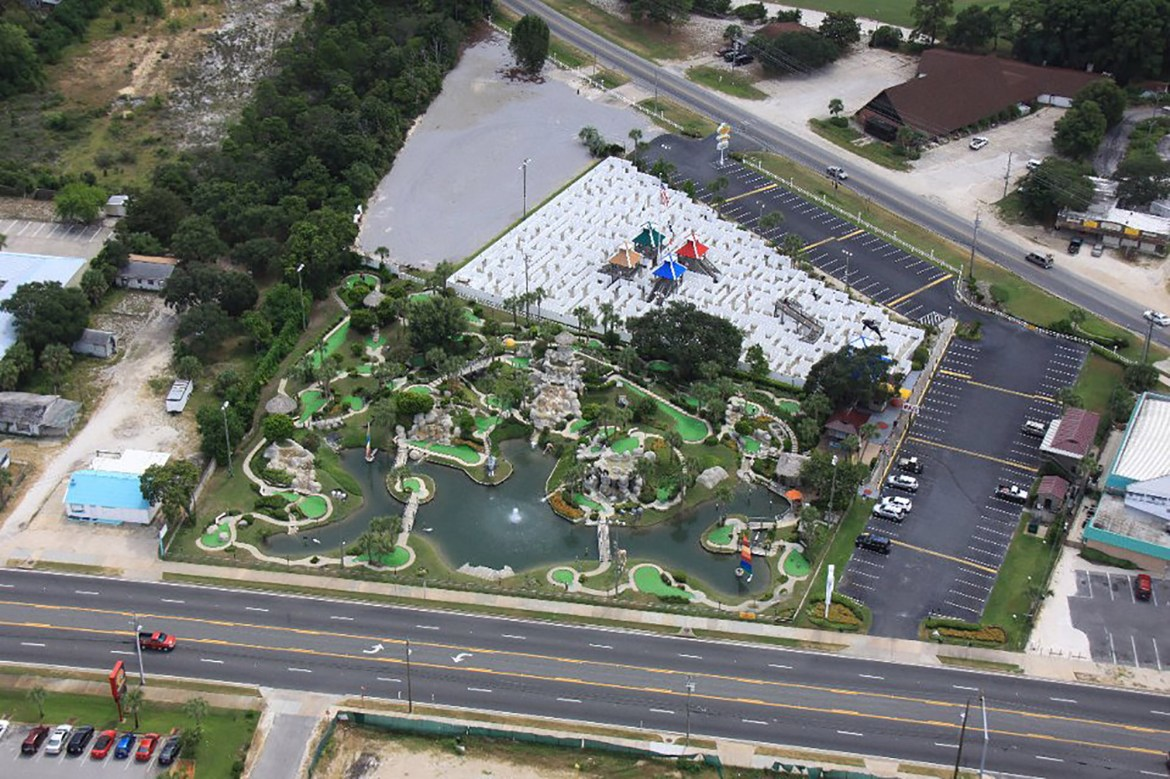 Young siblings killed after car drives onto mini golf course in Florida 1