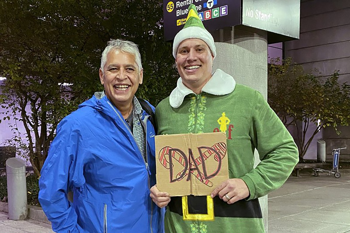 'Elf' scene comes to life as man meets biological dad in Boston 1