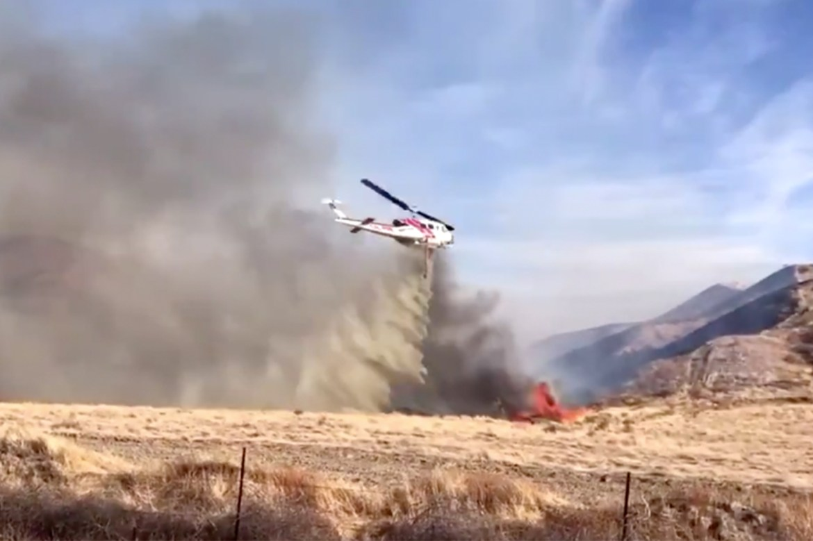 California wildfire explodes to nearly 2,000 acres 1
