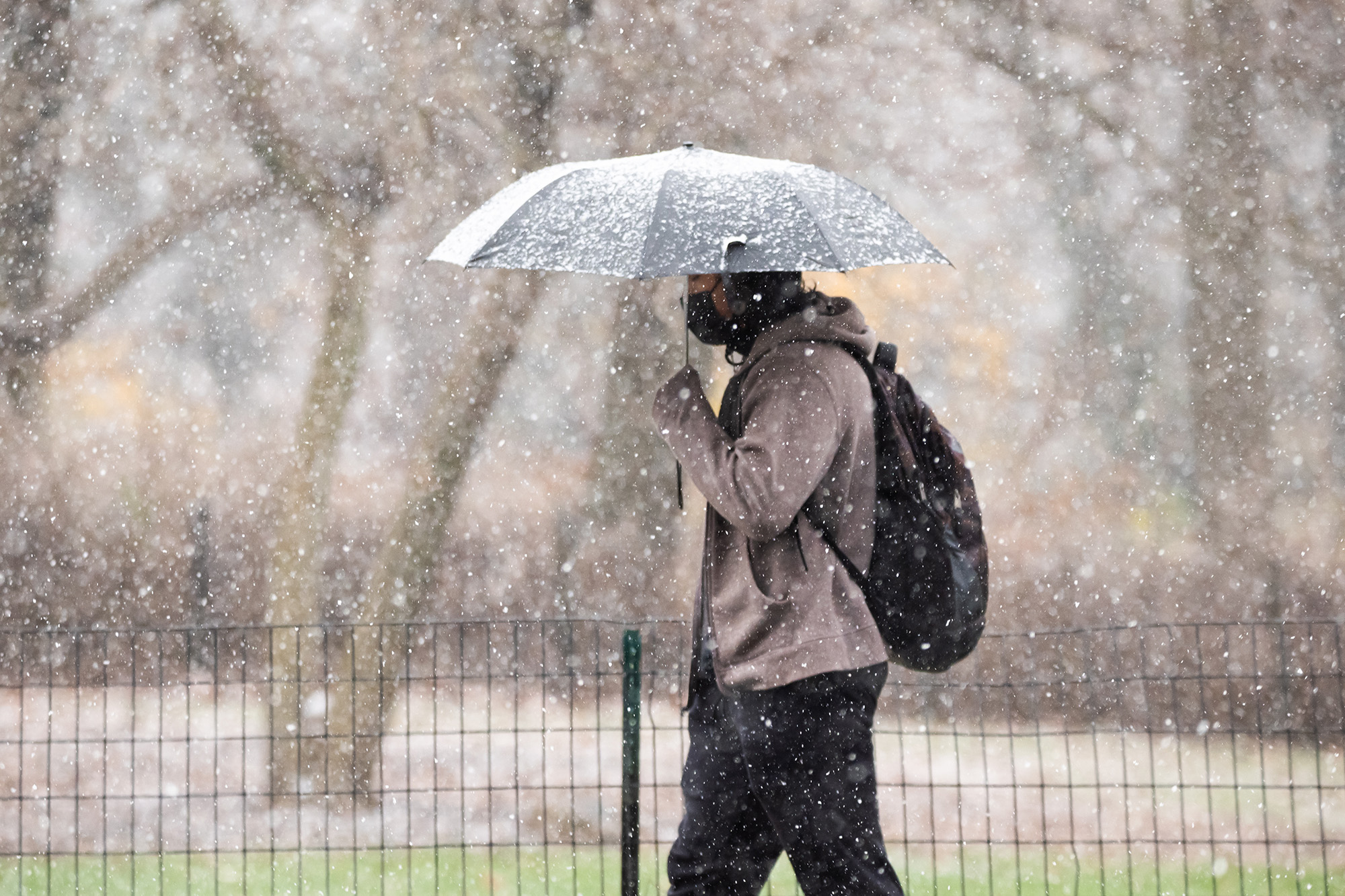 Massive snowstorm set to bring a foot of snow, 'ugly mess' to NYC