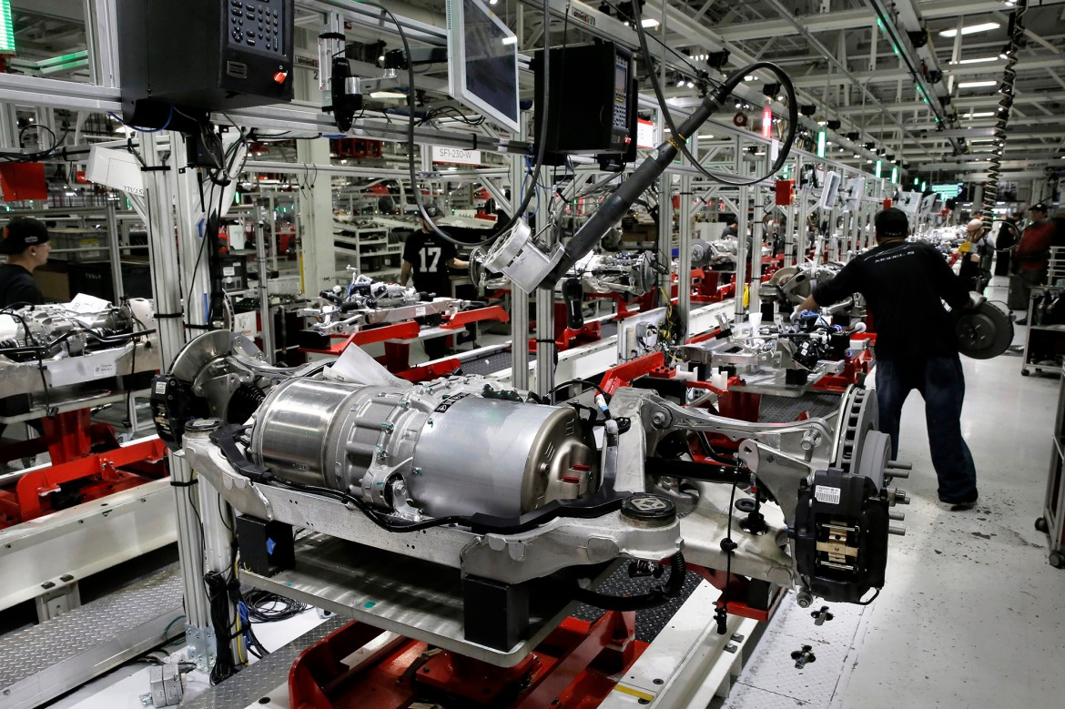 Tesla workers may not be paid for part of factory shutdown 1