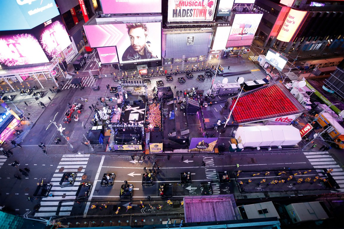 Times Square a ghost town on New Year's Eve 1