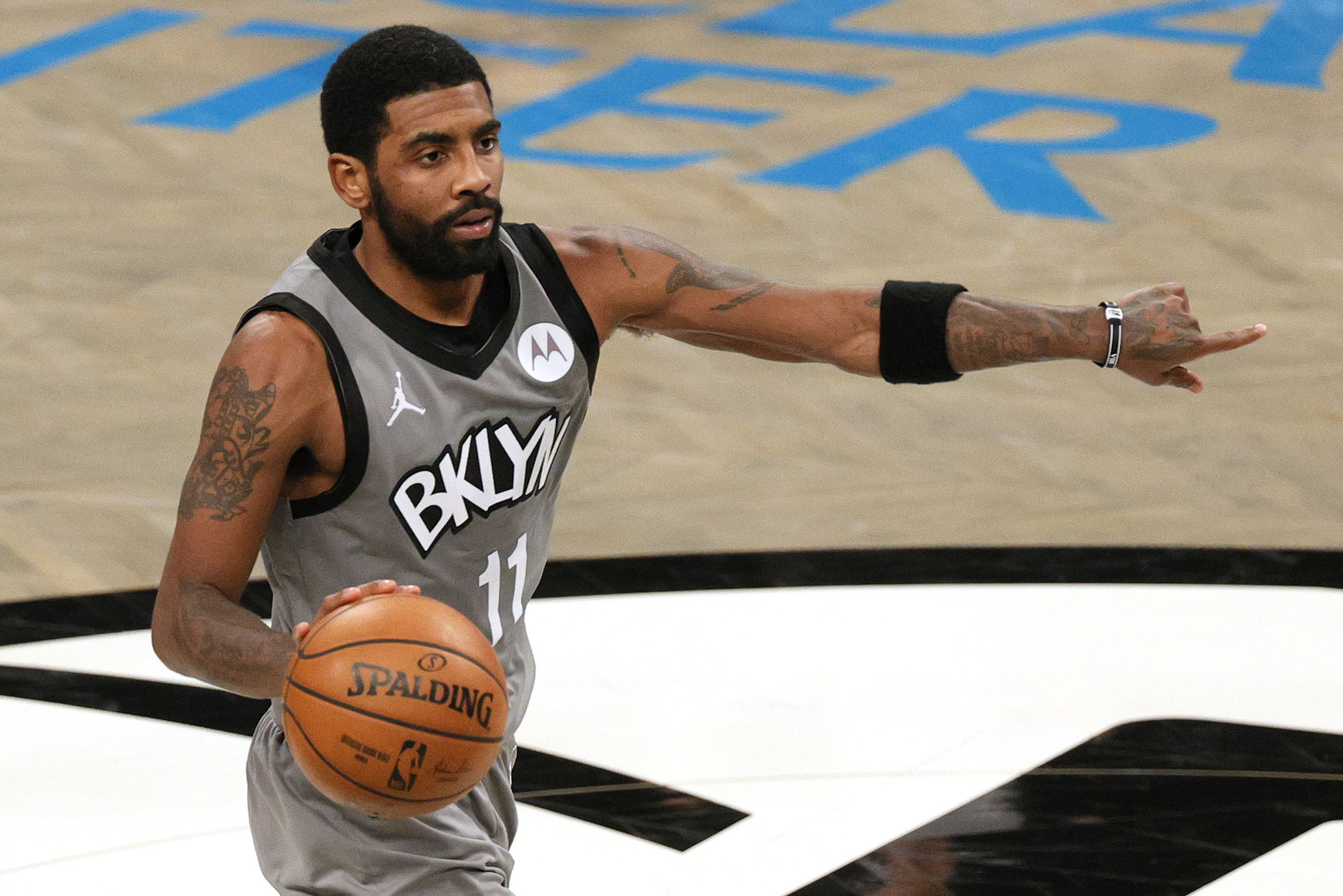 Kyrie Irving scoffs at idea of 'disconnect' amid Nets drama