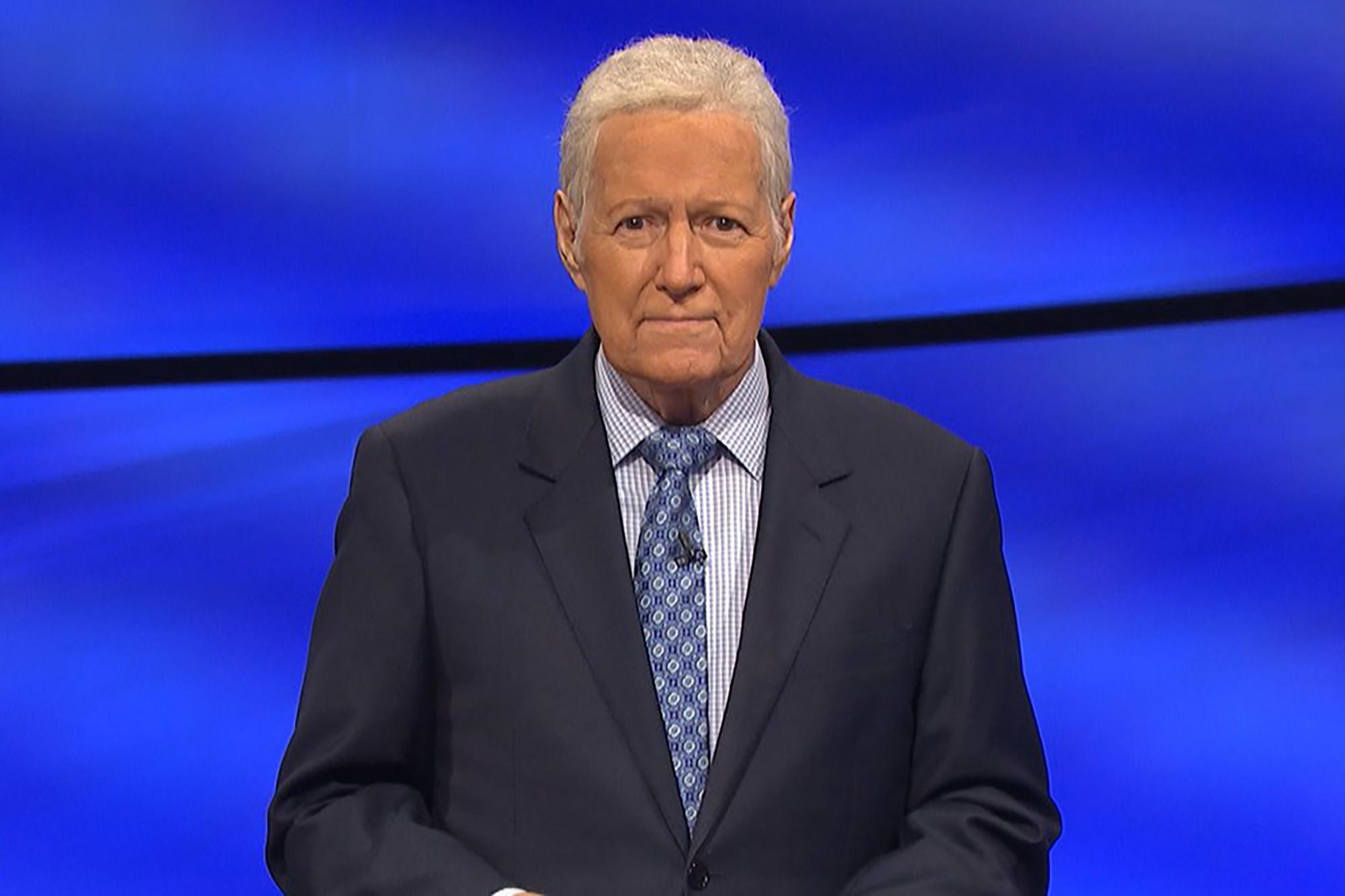 'Jeopardy!' host Alex Trebek sends message to fans in final week