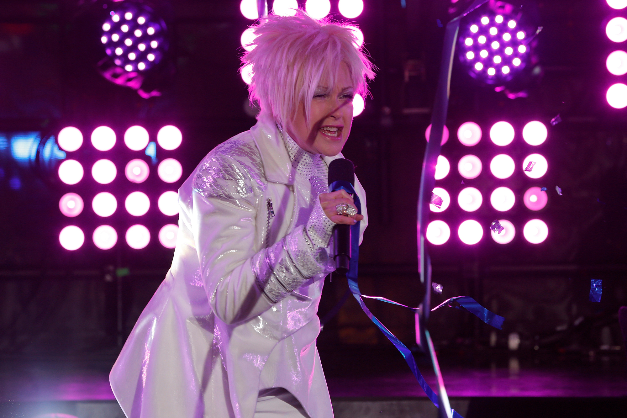 Fans baffled by Cyndi Lauper's awkward NYE performance
