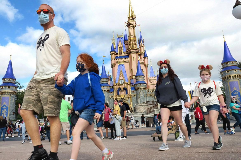 Disney opens 'park-hopping' despite new COVID-19 strain found in Florida 1