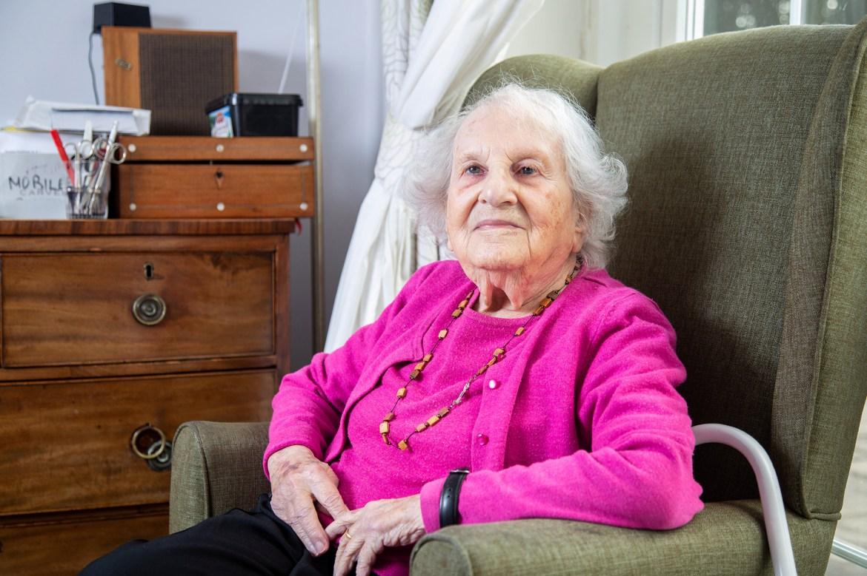 Jewish woman, 102, describes disturbing memory of her neighbor — Adolf Hitler 1