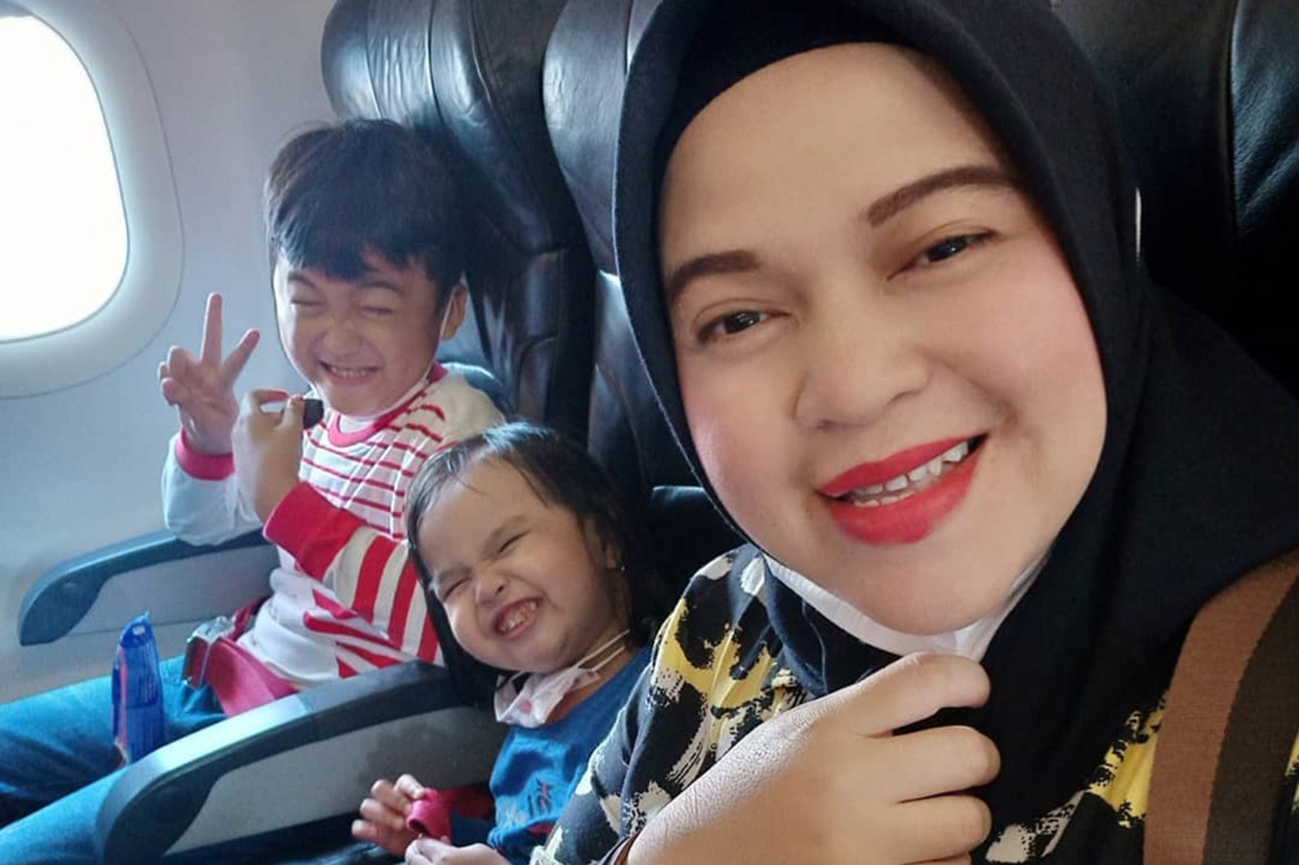 Mom posted heartbreaking message before Indonesian plane crashed into sea 1