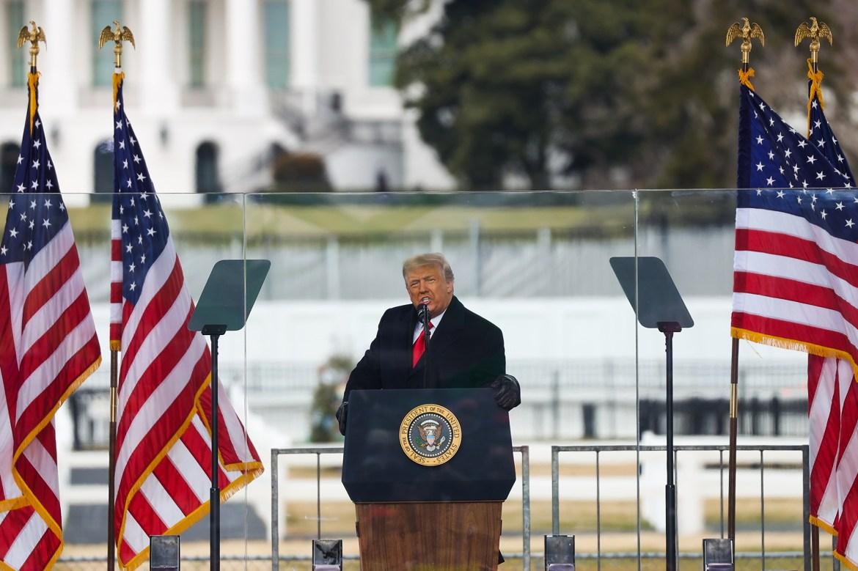 Deutsche Bank, Signature Bank cut ties with Trump over Capitol riots 1