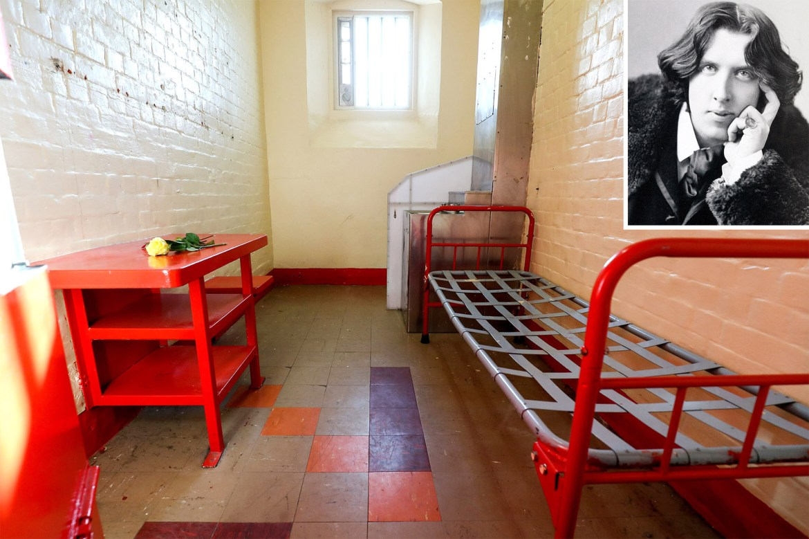 Hollywood stars campaign to save jail where Oscar Wilde was detained 1