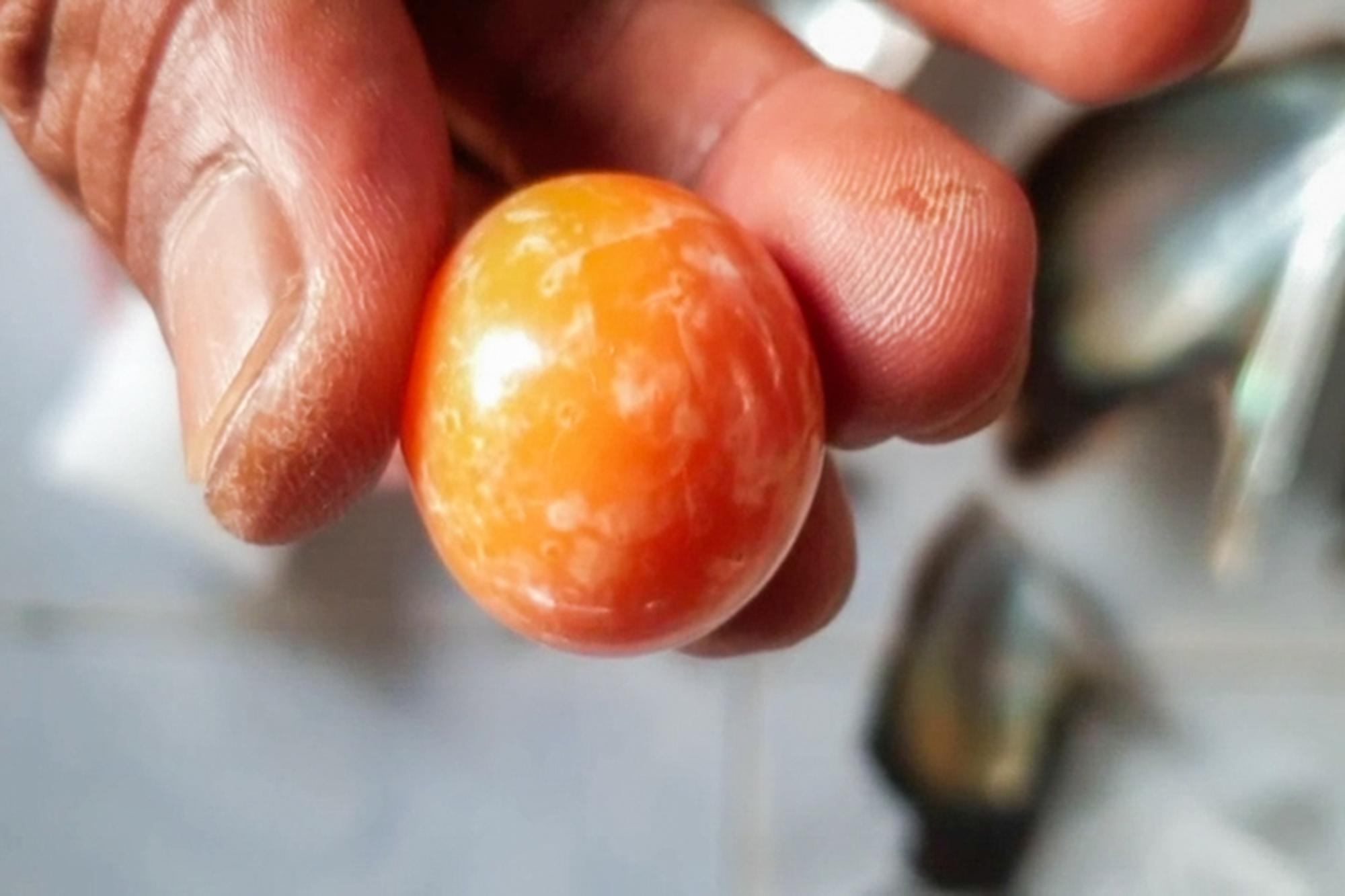 Two tone orange pearls