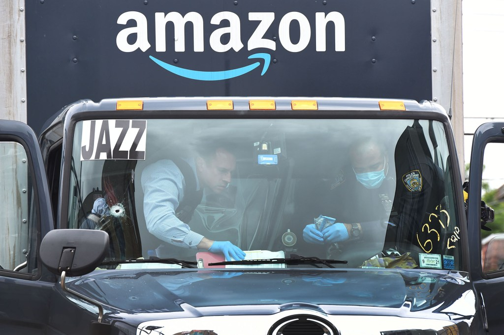 Amazon delivery driver shot in face during dispute in Brooklyn