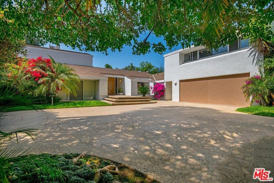 The second Beverly Hills home that Adele's ex husband is presumed to live in.