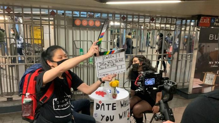 """""""التاريخ أثناء انتظارك"""" واصل التصوير في مترو الأنفاق خلال الجائحة."""