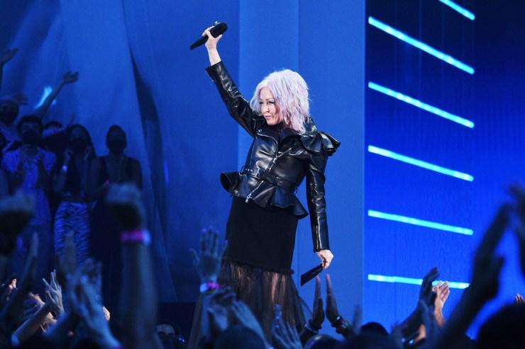 Fans react to Cyndi Lauper's fiery women's rights speech at 2021 VMAs