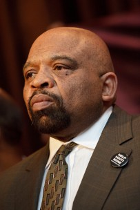 Gresham asked the mayor to hire more guards at Rikers.
