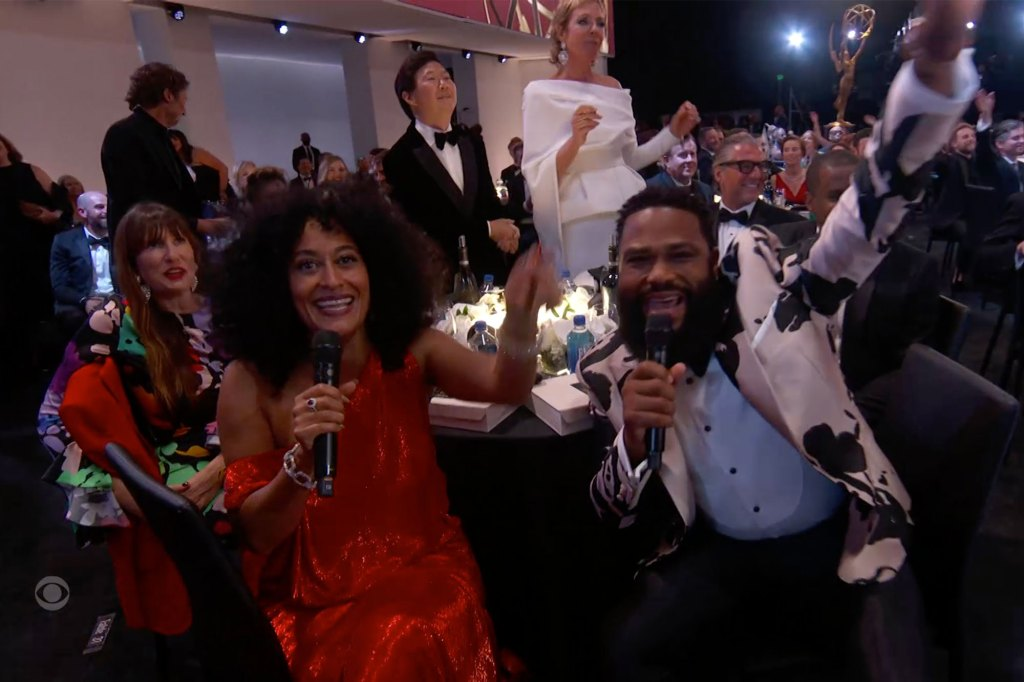 Tracee Ellis Ross and Anthony Anderson helped Cedric the Entertainer during the performance.