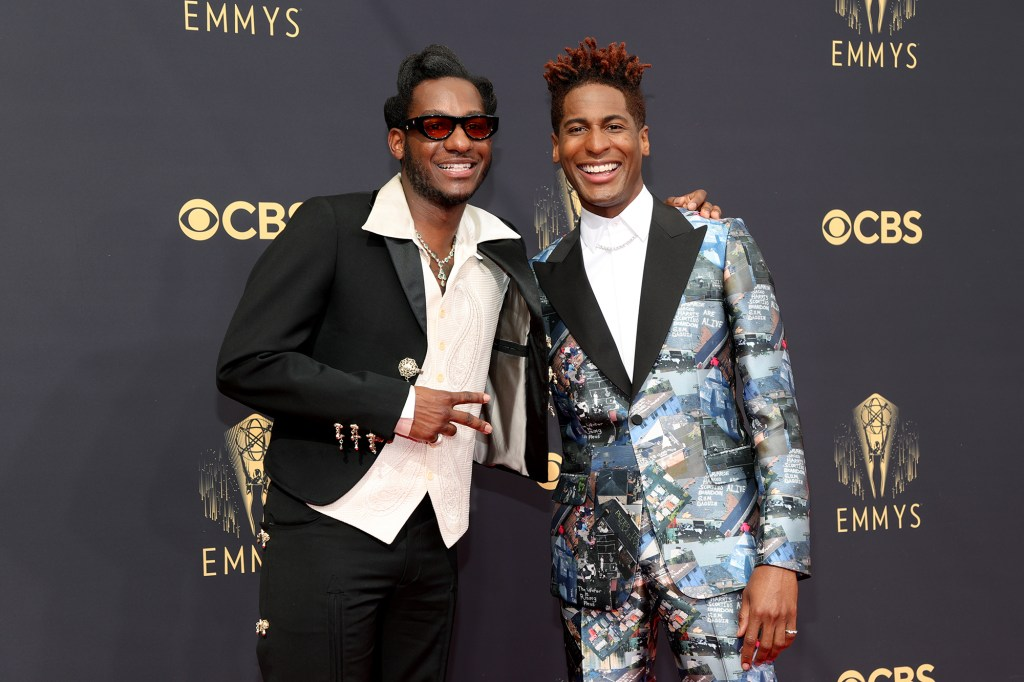 """Leon Bridges and Jon Batiste performed for the """"In memoriam"""" segment at the 2021 Emmys."""
