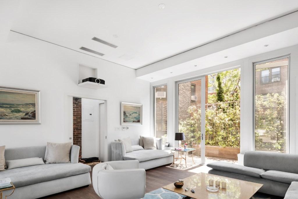 A living area inside 118 E. 83rd St.