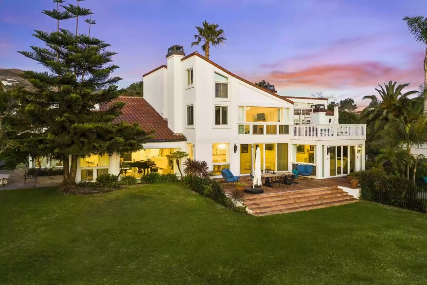 This Malibu mansion was the picture of success for potential Herbalife recruits.