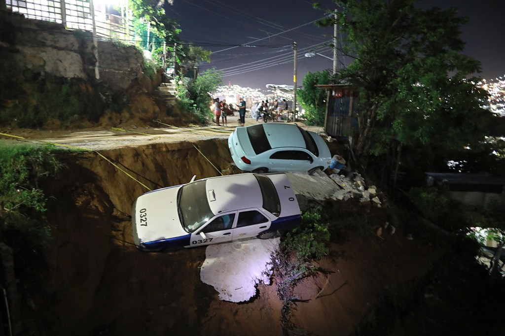 Aftermath of a 7.0 magnitude earthquake in Acapulco, Mexico.