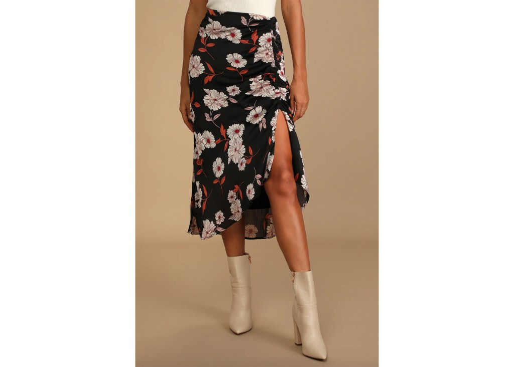 Lush Fashionably Floral Ruched Midi Skirt