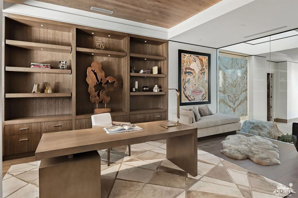 You can imagine Tim Cook working from home in this chic office space.