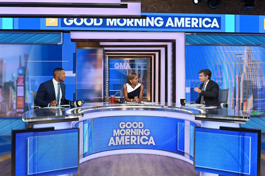 """MICHAEL STRAHAN, ROBIN ROBERTS, GEORGE STEPHANOPOULOS anchoring """"Good Morning America"""""""