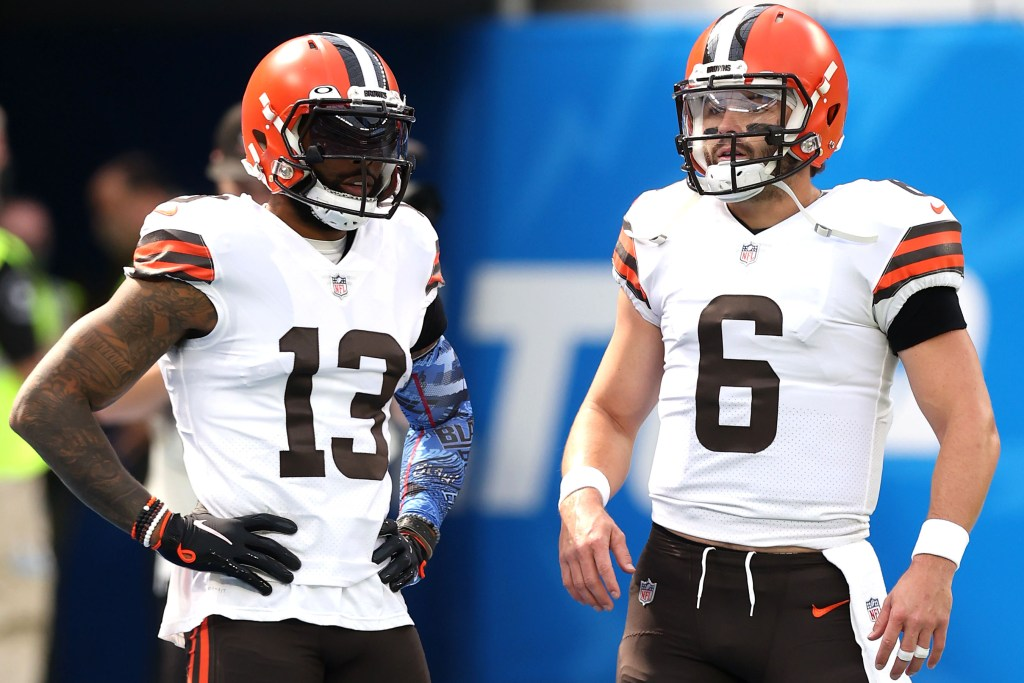 Odell Beckham and Baker Mayfield before the Browns' loss to the Chargers on Oct. 10, 2021.