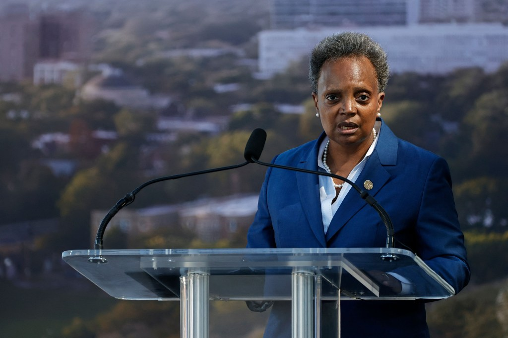 Chicago mayor Lori Lightfoot slammed the state prosecutor, Kim Foxx, for not charging the five gang members associated with a shooting that occurred on October 1, 2021.