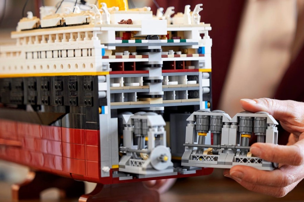 Lego's new Titanic model