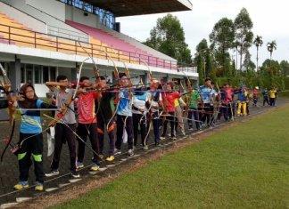 Evaluasi atlet panahan untuk Pekan Olahraga Pelajar Nasional (Popnas) 2017. Foto: TribunPekanbaru.com
