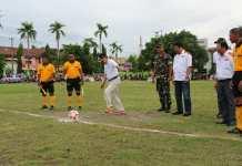 Walikota Parepare, Taufan Pawe, membuka secara resmi kejuaraan Wali kota Cup 2 di Lapangan Andi Makkasau Parepare, Rabu (22/11/2017).