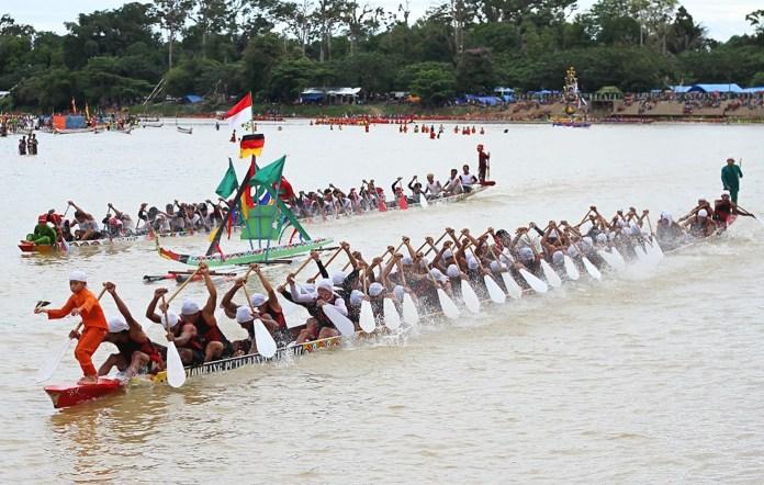 Olaharaga-Yang-Asli-Kebudayaan-Indonesia-4