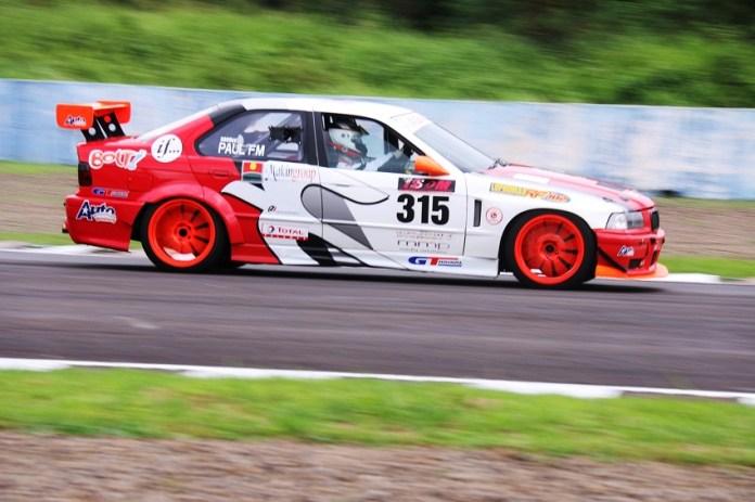 Peserta balap touring Indonesian Sentul Series of Motorsport (ISSOM). (net)