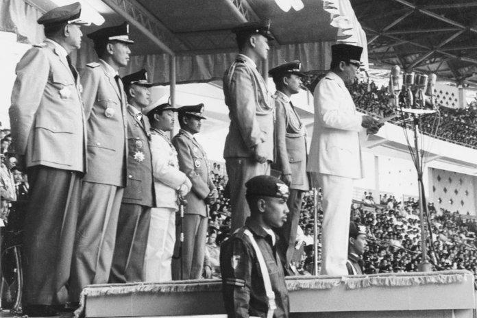 Presiden Soekarno saat memberikan pidato pembukaan Ganefo pada tahun 1963.