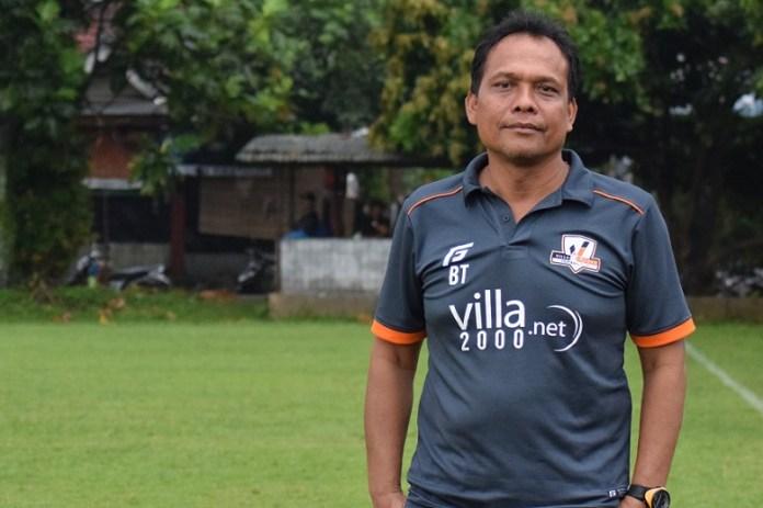 Blitz Tarigan kini mendedikasikan hidupnya menjadi pelatih akademi SSB Villa 2000. (Ham/NYSN)