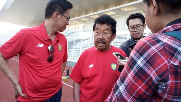 Mohammad Bob Hasan, Ketua Umum PB PASI, keluhkan biaya Stadion Madya Senayan, yang jumlahnya miliaran rupiah untuk Kejurnas Atletik, pada Mei 2018. (Adt/NYSN)