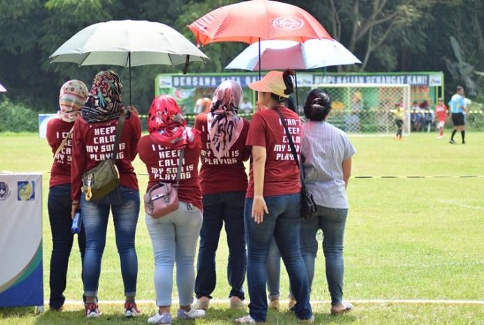 Para oranguta yang mendampingi anaknya saat mengikuti event IJML di lapangan Puspitek, Serpong. (Ham/NYSN)