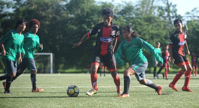 Timnas Putri takluk 1-4 saat menghadapi SSB Pelita Jaya U-15 dalam agenda uji coba di NYTC Sawangan. (Pras/NYSN)