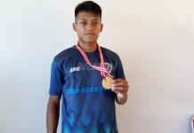 Sprinter Jawa Barat, M. Fachrurozi merajai Nomor 100 Meter U-20 di ajang Kejurnas Atletik, di Stadion Madya Senayan, Jakarta, Senin (7/5). (Adt/NYSN)