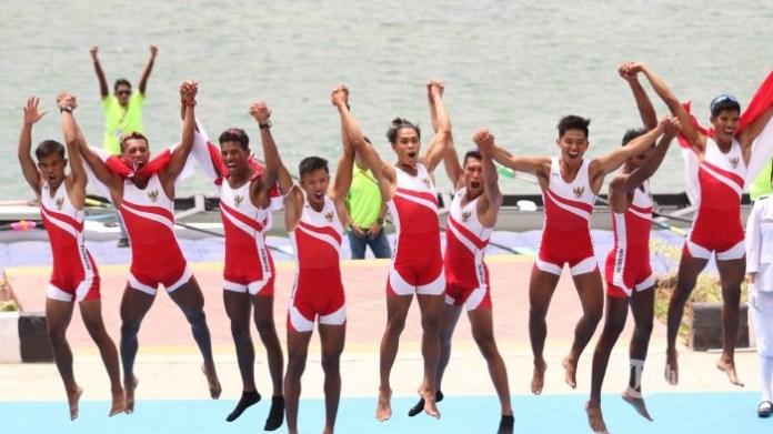 Indonesia sukses meraih Emas kesembilan Asian Games 2018, dari cabang olahraga Dayung, di nomor Men's Lightweight Eight (LM8-). Tim merah putih sukses menjadi yang tercepat dengan catatan waktu 6 menit 08,88 detik. (tribunnews.com)