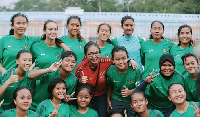 Timnas Putri U-16 pada Selasa (11/9) bertolak menuju kota Bishkek, Republik Kyrgyzstan, usai merampungkan pemusatan latihan di Banjarnegara (Jawa Tengah) dan Sawangan. Mereka akan tampil di kualifikasi Piala Asia U-16 2019. (suaramerdeka.com)