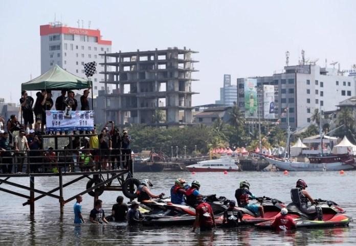 Empat negara dipastikan tampil pada Kejuaraan internasional Makassar Jet Ski Wali Kota Cup, pada 13-14 Oktober. Kejuaraan ini merupakan rangkaian acara dari Makassar International Eight Festival and Forum (F8) 2018, yang digelar pada 10-14 Oktober. (sulselekspres.com)