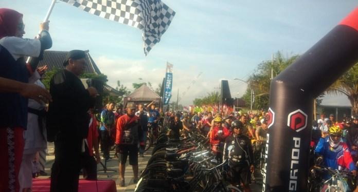 Sepeda Nusantara 2018 di Kabupaten Blitar, Jawa Timur (Jatim), pada Minggu (21/10),sangat istimewa. Di tengah ribuan peserta terdapat atlet peraih medali perunggu nomor BMX Asian Games XVIII/2018, Wiji Lestari. (istimewa)