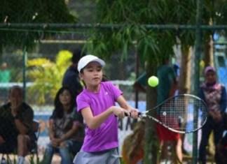 Kejuaraan Nasional (Kejurnas) Junior Pelti Riau Open 2018, mulai dihelat pada pada Jumat (9/11) - Minggu (11/11) di Pekanbaru. Event ini mempertandingkan lima kelompok umur (KU), yakni 10 tahun, 12 tahun, 14 tahun, 16 tahun, dan 18 tahun. (gonews.com)