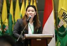 Susy Susanti, memaparkan enam fokus bidang pembinaan dan prestasi (Binpres) pada 2019, dalam event Musyawarah Kerja Nasional (Mukernas) PP PBSI 2018, di El Royale Hotel, Kelapa Gading, Jakarta Utara, pada 21-22 Desember 2018. (PBSI)