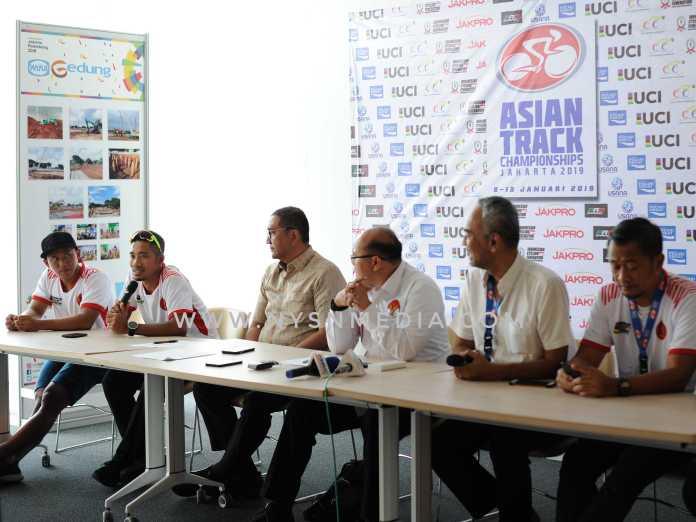Hajatan Asian Track Championship (ATC) 2019 yang akan diikuti 300 pebalap dari 16 negara, siap dihelat di Jakarta International Velodrome (JIV), Rawamangun, Jakarta Timur, pada 8-13 Januari. Mereka berburu poin poin untuk kualifikasi Olimpiade 2020 Tokyo, Jepang. (Pras/NYSN)